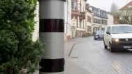Leere Drohung: Im zu Geisenheim gehörenden Johannisberg werden Schnellfahrer nicht geblitzt.