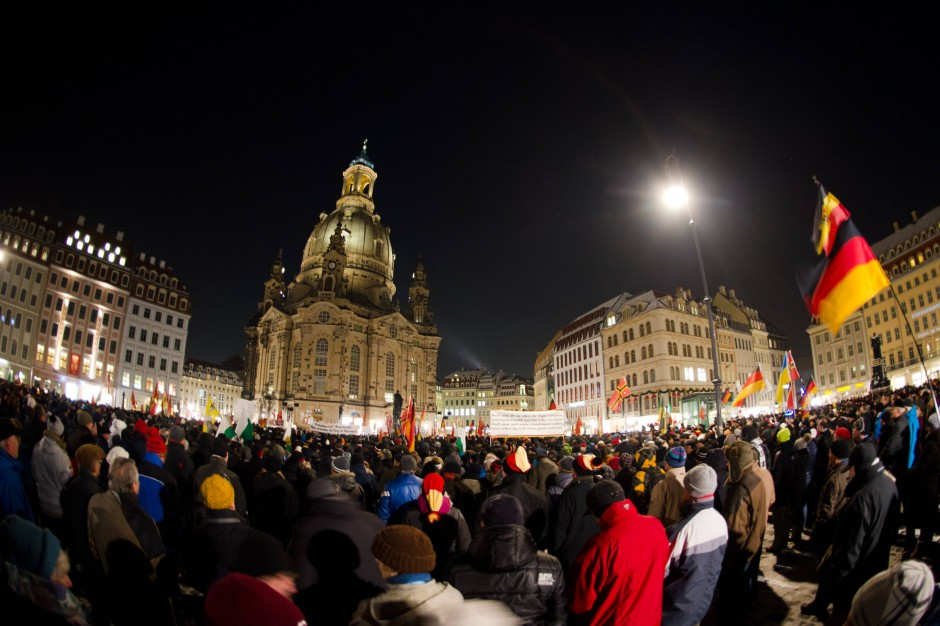 Demonstrationen in Dresden: Pegida, die Selbsthilfegruppe ...  Demonstrationen...