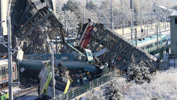 Ein Deutscher stirbt bei Zugunglück in Ankara