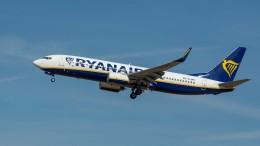Fluggast darf trotz rassistischer Äußerungen an Bord bleiben