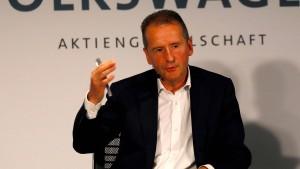 Richter will VW-Chef Diess vor Gericht sehen