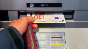 Die Deutschen wechseln ihr Bankkonto öfter