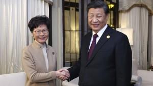 Was hat das Treffen von Xi Jinping und Carrie Lam zu bedeuten?