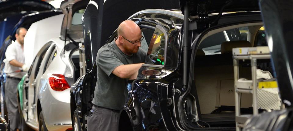 Kraftfahrt Bundesamt Will Rückruf Für Opel Diesel Anordnen