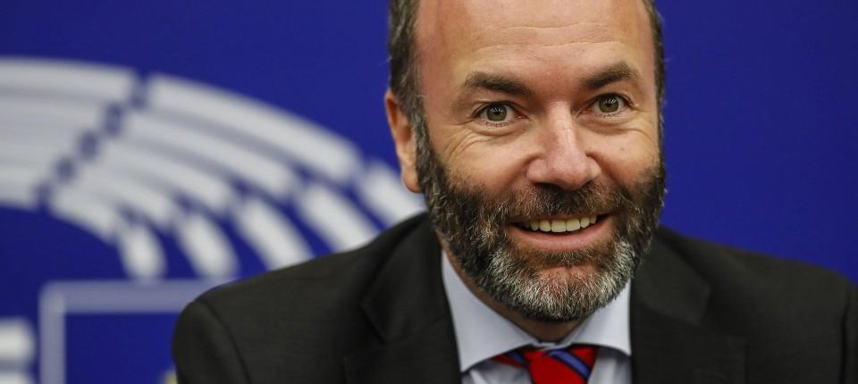 Vielleicht noch ein ungewohntes Bild: Manfred Weber trägt neuerdings Bart.