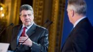 Außenminister Gabriel auf Staatsbesuch in Paris