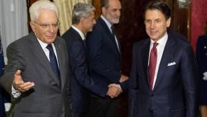 Mattarella sucht Wege aus der Krise
