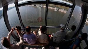 Rhein-Seilbahn darf bis 2026 bleiben