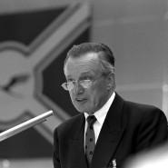 Heinz Ruhnau während der Lufthansa-Hauptversammlung im Juli 1988