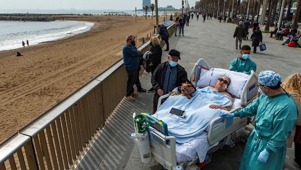 Corona-Intensivpatient trifft seine Familie am Meer