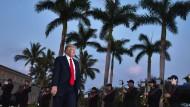 Der amerikanische Präsident Donald Trump im Trump International Golf Club Palm Beach in Florida