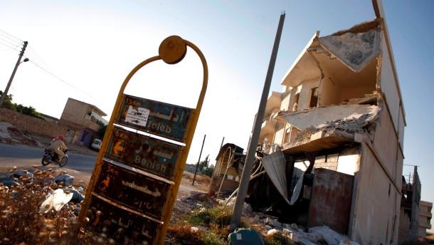 Bange Blicke richten sich auf Assads Arsenal