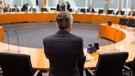Innenminister bestreitet Erkenntnisse über Wirtschaftsspionage