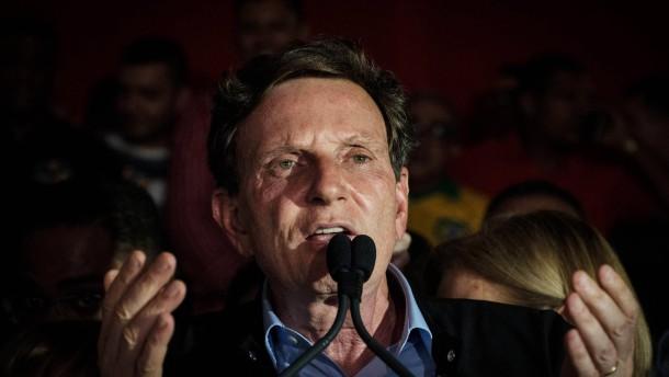 Homophober Pfarrer erobert Rio