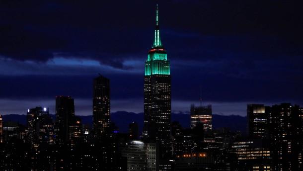 Das Empire State Building wird 90