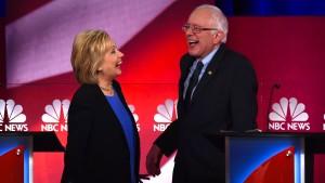 Clinton und Sanders liefern sich heftige Angriffe bei TV-Debatte