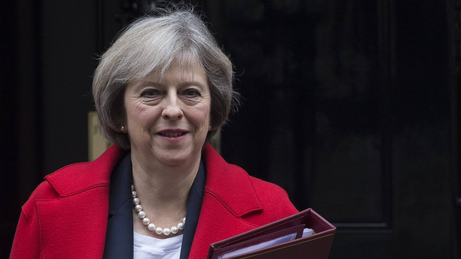 Schweigen als Strategie? Premierministerin Theresa May am Dienstag vor ihrem Amtssitz.