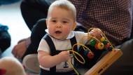 Prinz George amüsiert sich auf seiner ersten Auslandreise
