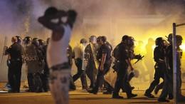 Krawalle nach tödlichen Polizeischüssen