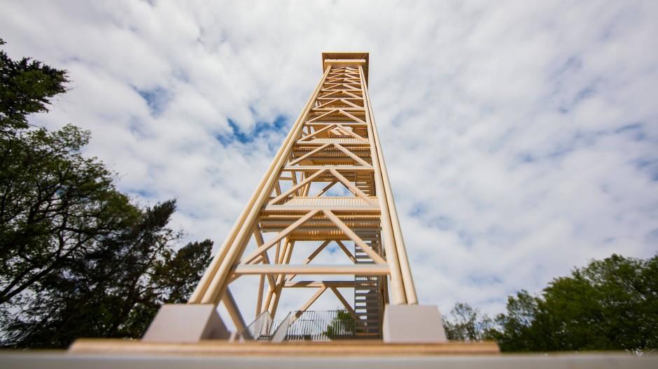 Das Modell des neuen Goetheturms auf dem Bauplatz für den Turm.