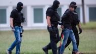 Am 9. Juni wird der in den Irak geflohenen mutmaßliche Mörder von Susanna F, Ali Bashar, nach Wiesbaden zurückgebracht.
