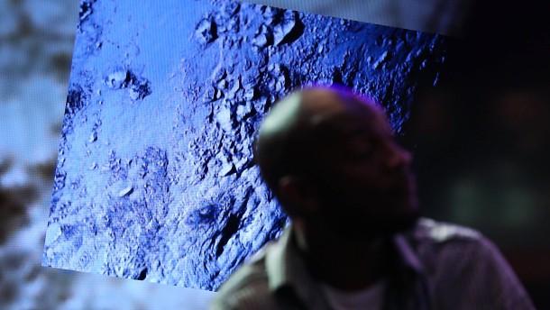 Sonde entdeckt Nebel auf dem Pluto