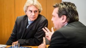 Moderiertes Streitgespräch zwischen Armin Schild, Bezirksleiter IG Metall Mitte, und Werner Stolz, Hauptgeschäftsführer Zeitarbeitgeberverband IGZ
