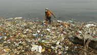 Die Weltmeere sind voller Plastik.