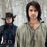 Mit den Waffen eines Mannes: D'Artagnan (Luke Pasqualino) uns seine Kollegen Musketiere glänzen durch körperliche Präsenz