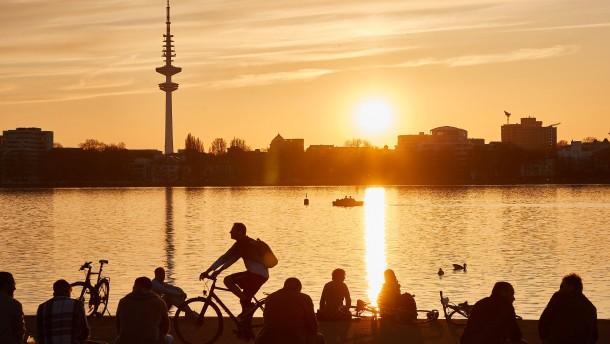 Hamburg verhängt nächtliche Ausgangssperre
