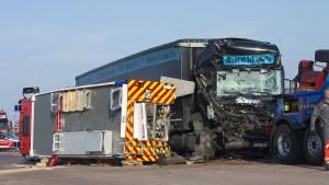Zwei Feuerwehrleute sterben im Einsatz auf Autobahn
