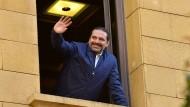 Saad Hariri begrüßt seine Anhänger in Beirut.