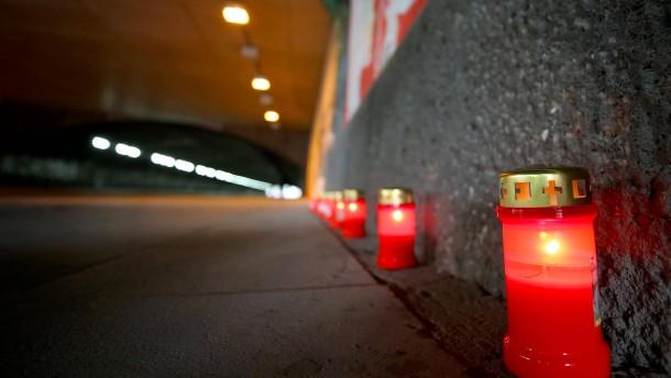 Gedenken an Opfer des Loveparade-Unglücks