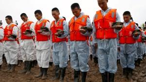 Mehr als 400 Leichen aus verunglücktem Touristenschiff geborgen