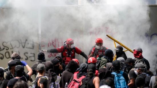 Proteste gegen Polizeigewalt eskalieren