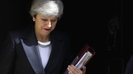 May berät über geplanten Rücktritt