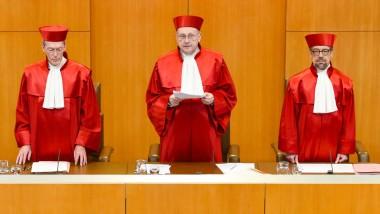 Der Erste Senat des Bundesverfassungsgerichts verliest das Urteil über die Erbschaftsteuer.