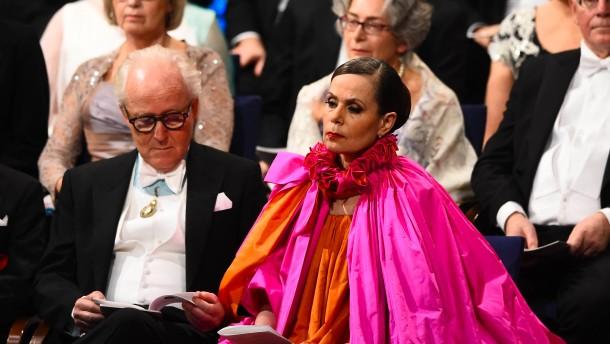 Sie gab der Nobel-Akademie die Farbe