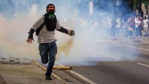 Soldat bei Protesten der Opposition getötet