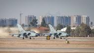 Zwei Recce-Tornados der Luftwaffe der Bundeswehr starten in Incirlik.