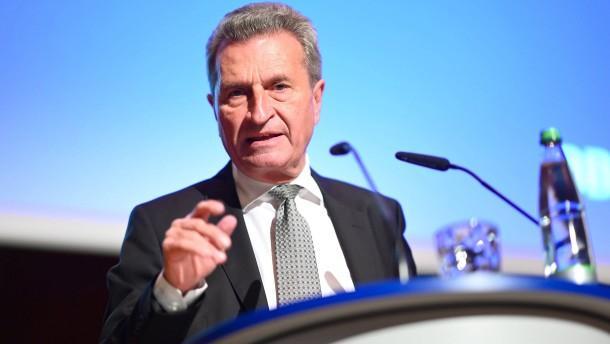 Oettinger will sich mit großem Digitalpaket verabschieden