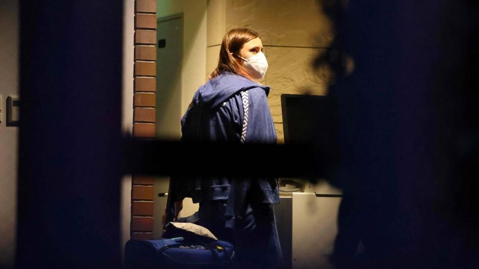 Kristina Timanowskaja bei ihrer Ankunft in der Botschaft Polens in Tokio