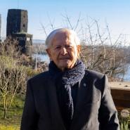 Für Zeitzeuge Heinz Schwarz sind die stehengebliebenen Türme der Brücke von Remagen ein Aufruf, für den Frieden einzutreten.