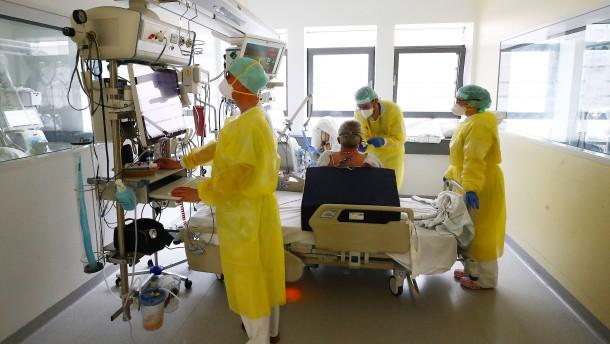 Fast 1500 Neuinfektionen, Sieben-Tage-Inzidenz sinkt weiter