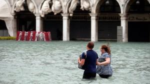Zehn Tote nach Unwettern in Italien