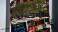 Zurückgebliebene Flotte: Busse der Mainzer Verkehrsgesellschaft.