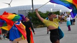 Regenboggenflaggen in München