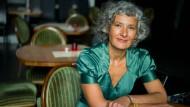 Kuchen kommen und gehen, das Kabarett bleibt: Olcay Acet ist neue Geschäftsführerin der Frankfurter Käs.