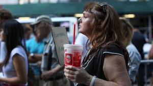 New York verbietet große Getränkebecher