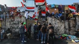 Demonstranten besetzen weitere Brücke im Bagdad
